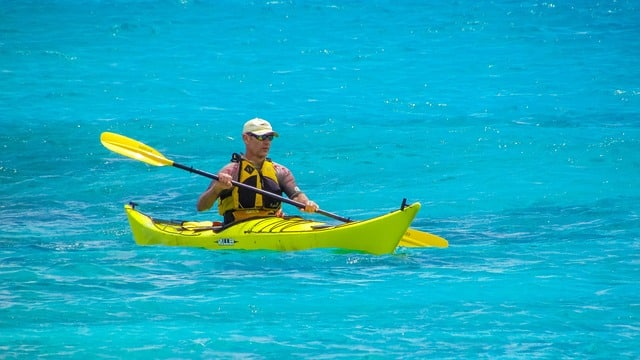 why is kayaking good for seniors